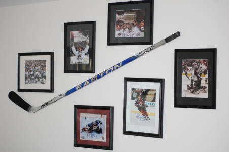 Hockey Stick Display Mount Hanger For Game Used